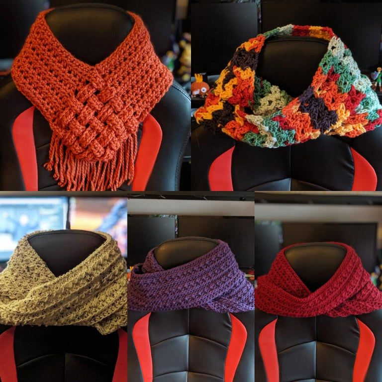 Need to make some money before Christmas since I got laid off, scarves are nice and easy to bang out in a day : crochet #crochetformoney