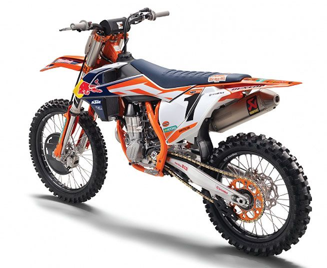 Ktm Figures Out A Way To Shave Even More Weight From Its Artisan 450 Sx F And 250 Sx F Factory Editions Ktm Motocross Bikes Ktm Motorcycles