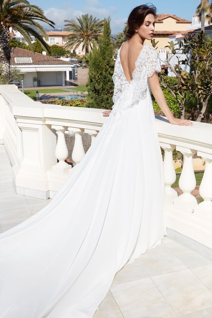 Alessandra Rinaudo 2018 Wedding Dresses | short sleeve wedding dress open back wedding gown medium train #weddinggown #bridalcollection #bridalgown