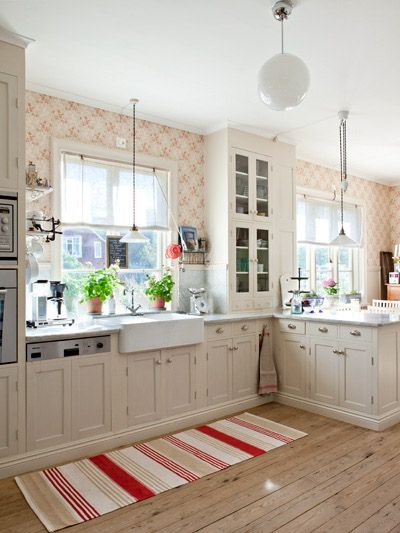 Love This Kitchen With The Red And White Wallpaper And Ever Popular