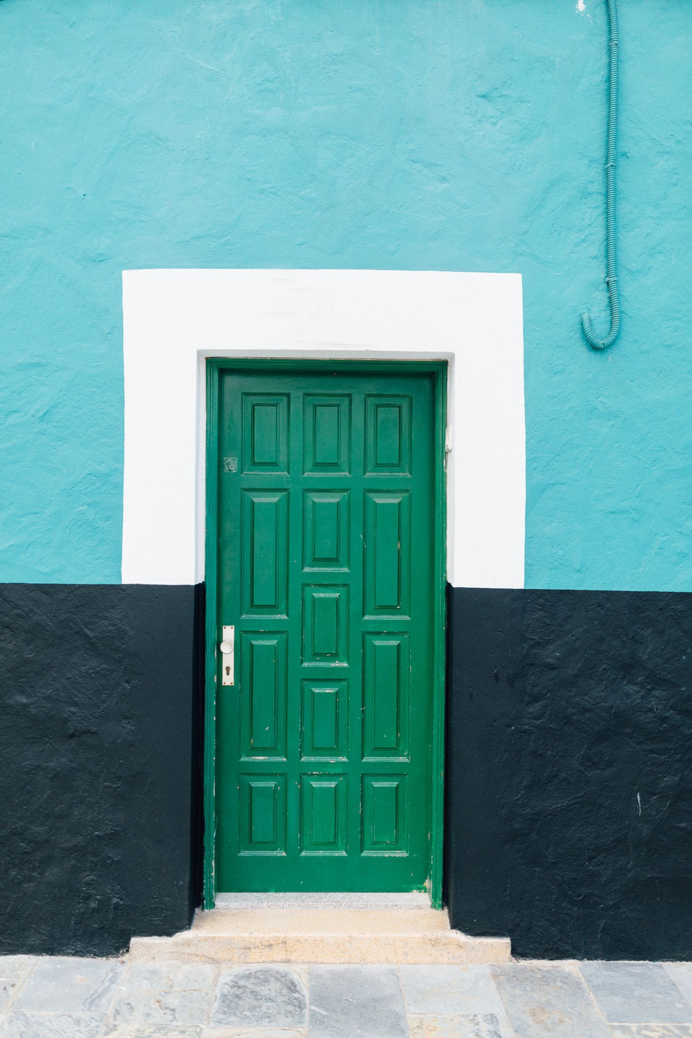 These Vibrant Front Door Colors Will Give Your Home A Pop House Colors Exterior House Colors Door Color