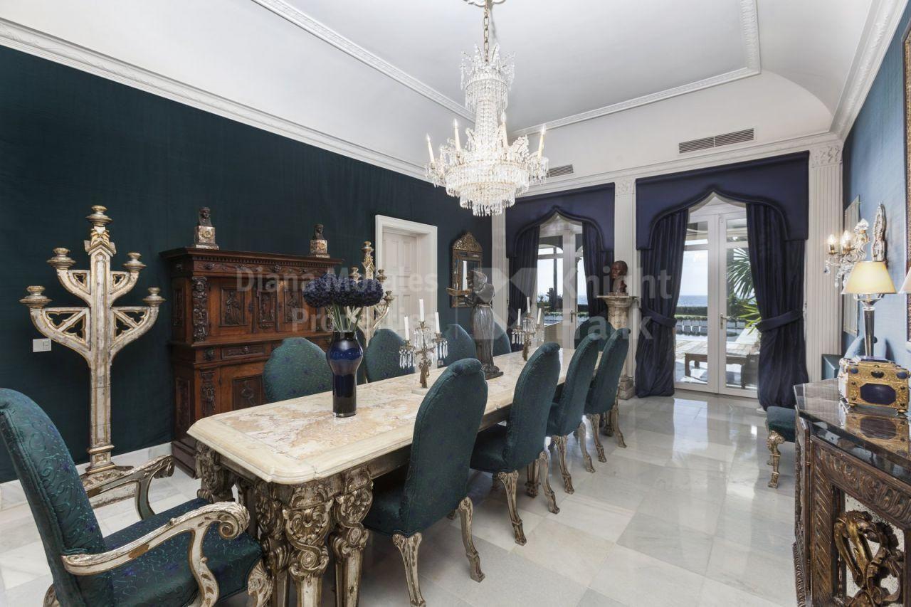 Sea Front Estate - Villa, Los Monteros, Marbella East