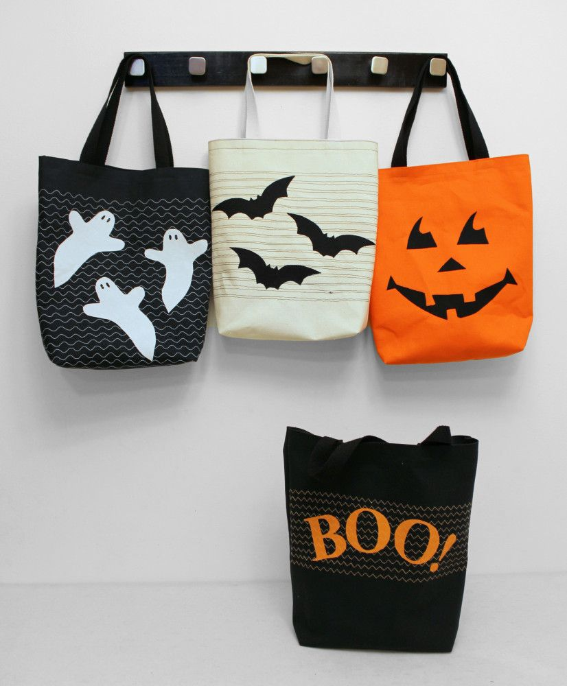 trick or treat bags - Pinterest Halloween Treat Bags