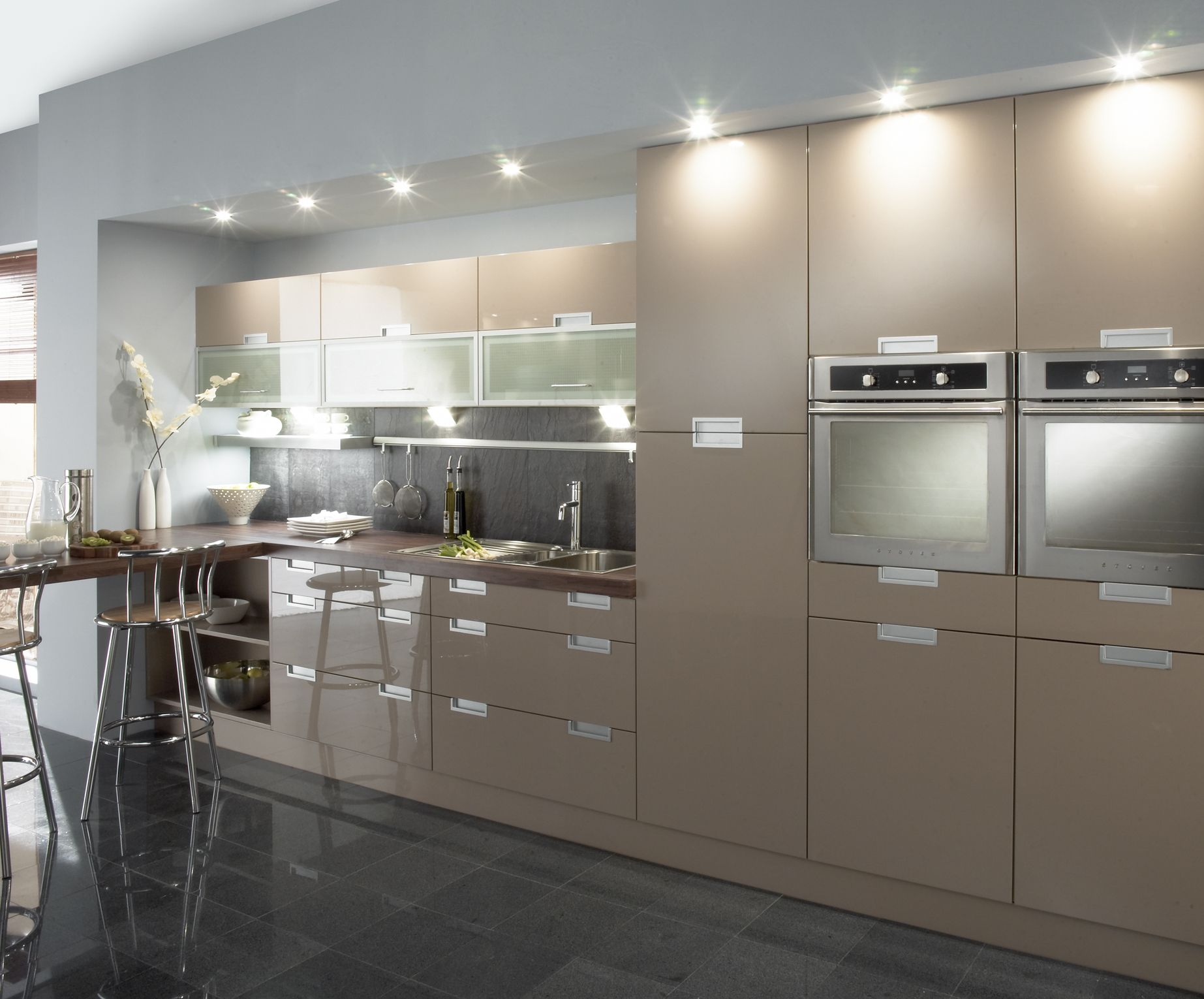 Cappuccino High Gloss Kitchen Google Search High Gloss Kitchen Gloss Kitchen Home Kitchens