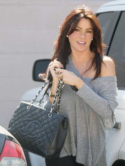 5e7931e05df1 Celebrity wearing Chanel Shopping Tote bag