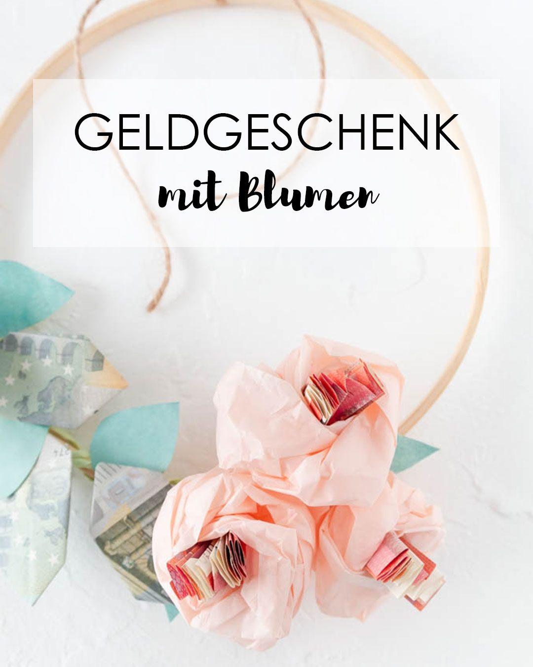 Photo of Geldgeschenk als Blumenkranz für eine Hochzeit