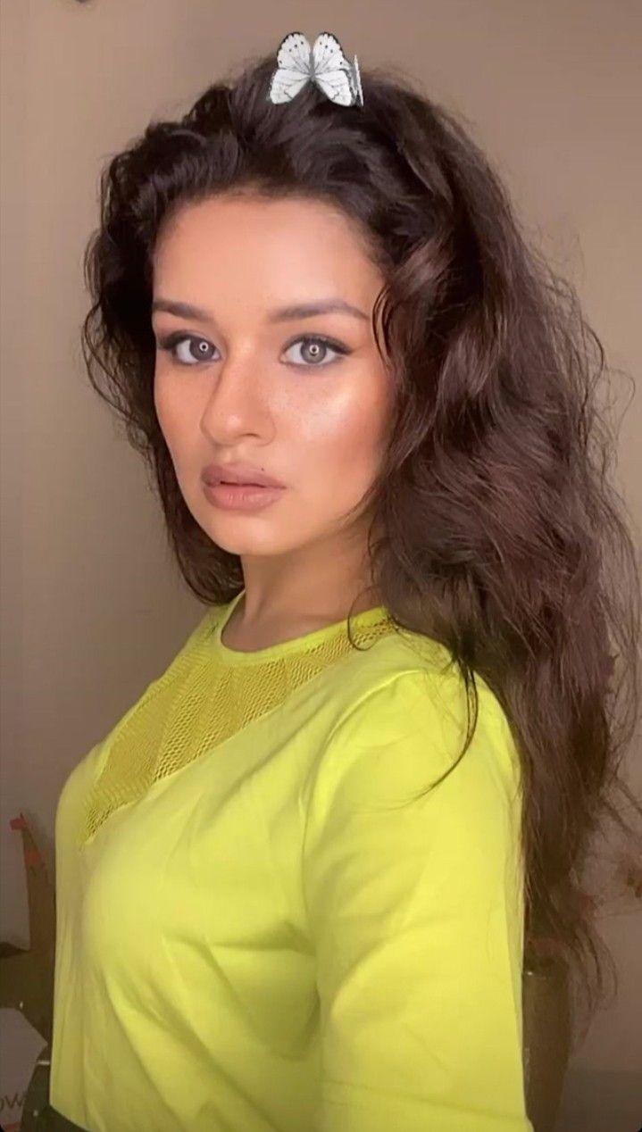 Cute Indian Teen Girls With Big Boobs (11 Photos)