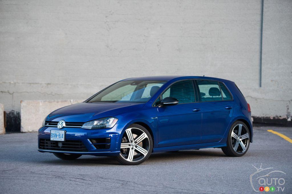 2016 Volkswagen Golf R Lapiz Blue Metallic Volkswagen Golf