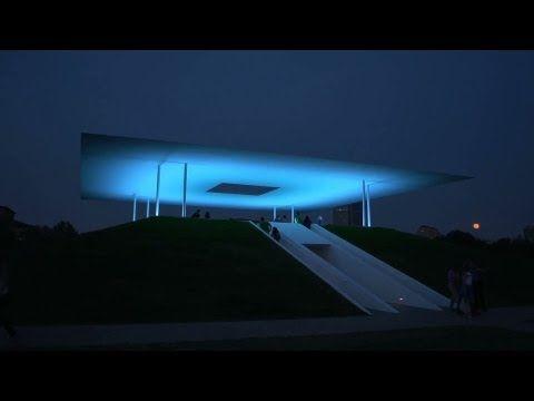 Twilight Epiphany Skyspace, una instalación de James Turrell en Rice University.