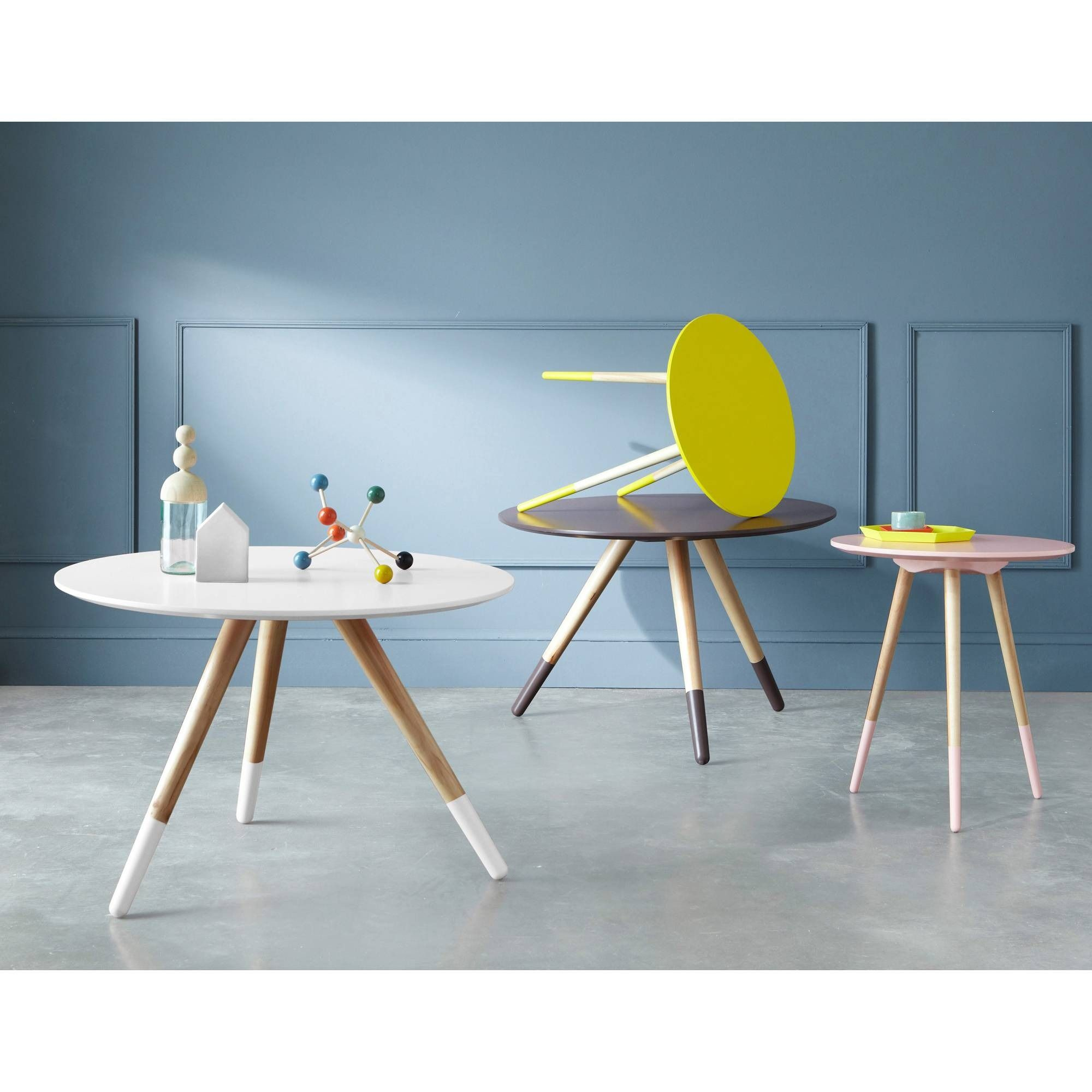 table basse new pin's, diamètre 75 cm, pieds peints. - 3 suisses