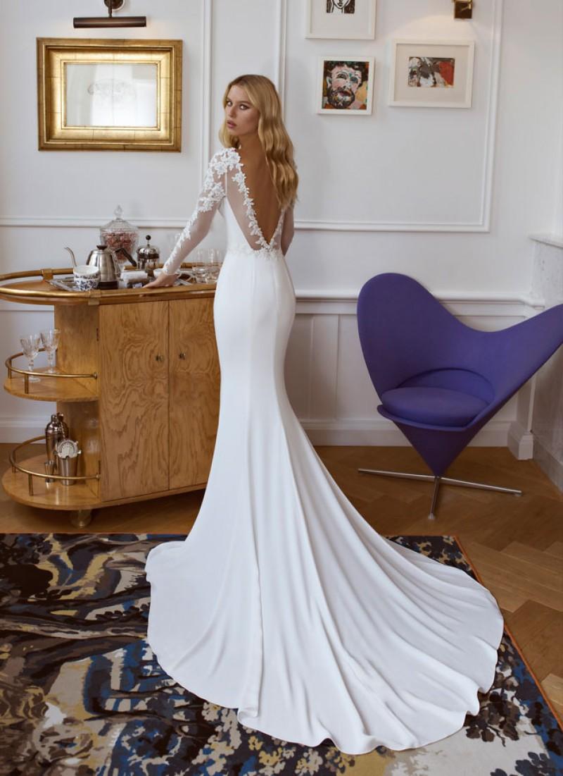 Esme Brautkleid Von Modeca Und Le Papillion Langarmeliges Schleichendes Figurbe Fitted Wedding Dress Long Sleeve Fitted Wedding Dresses Slinky Wedding Dress [ 1101 x 800 Pixel ]