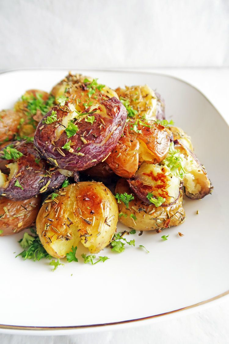 Crispy Garlic Smashed Baby Potatoes