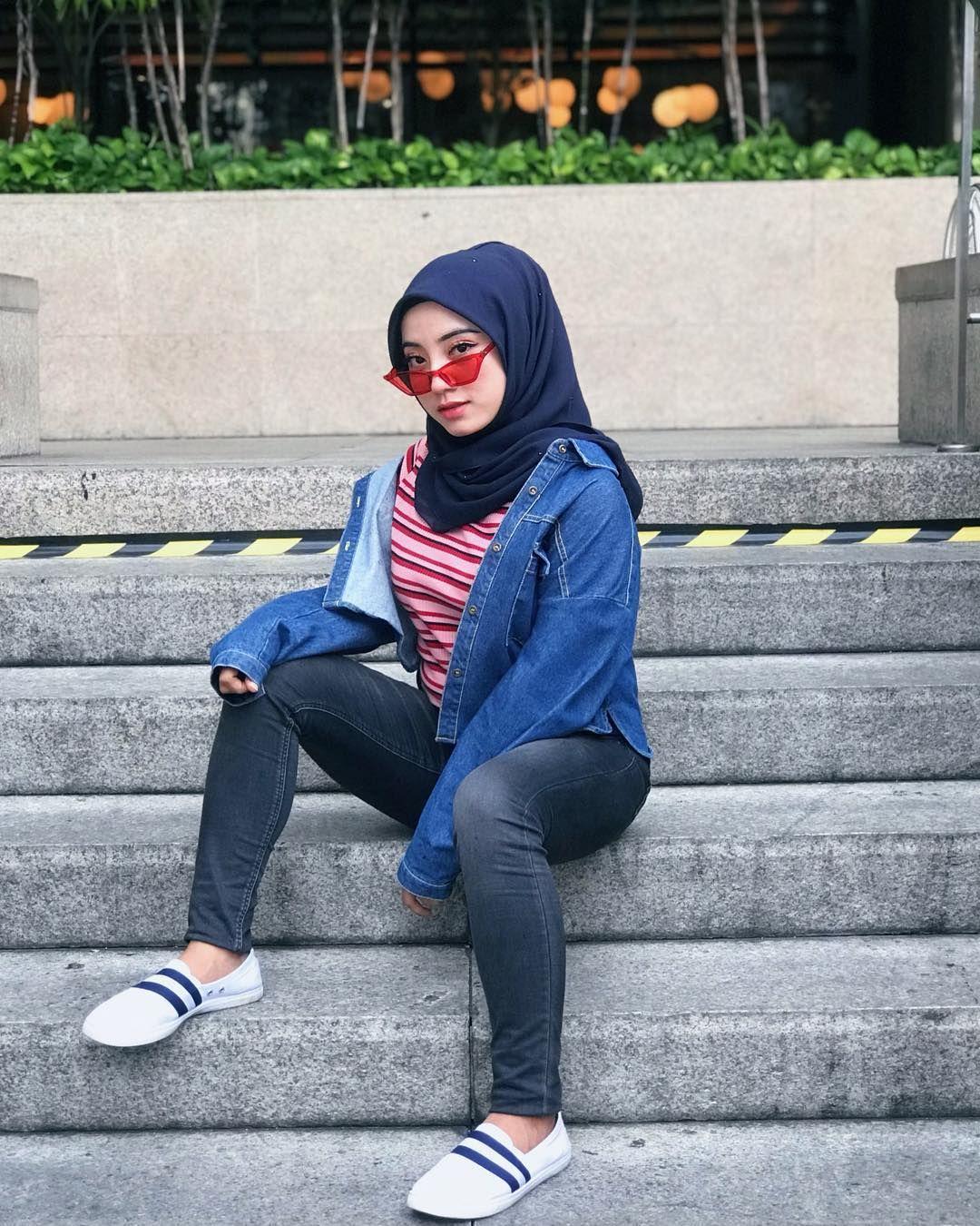 Aisyah Yaakub Di Instagram Awk Tahu Tak Ape Beza Awk Dengan Bunga Bunga Hiasi Halaman Rumah Awk Menghiasi Hati Saye Girl Hijab Hijab Fashion Fashion