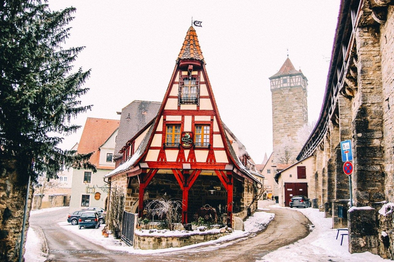 Plan A Trip To Rothenburg Ob Der Tauber Step Back To Medieval Times Helene In Between Rothenburg Rothenburg Ob Der Tauber Europe Travel