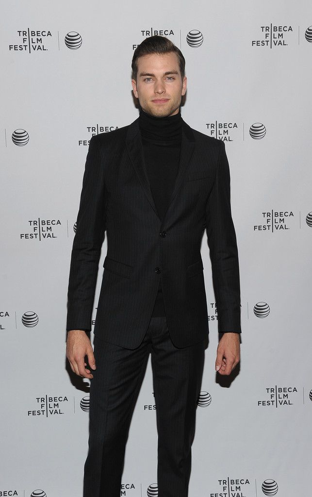 d63ec0720 Style Watch: Pierson Fode + Jack O'Connell Have a Turtleneck Moment | Men´s  Fashion | Mens fashion:__cat__, How to wear turtleneck, Fashion 101