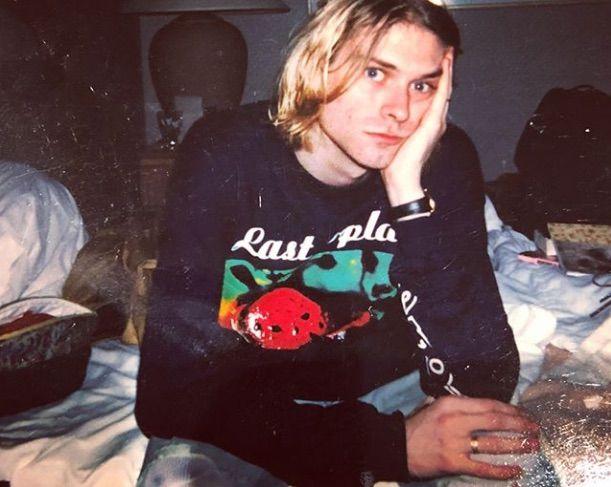 #friends #friendstvshow #friendsquotes #90s #70s #iconic #nature #summer #green #butterfly #love #instagram #aesthetic #retro #vintage #90saesthetic #kurtcobain #nirvana #grunge #grungefashion #rock #rockmusic #90smusic