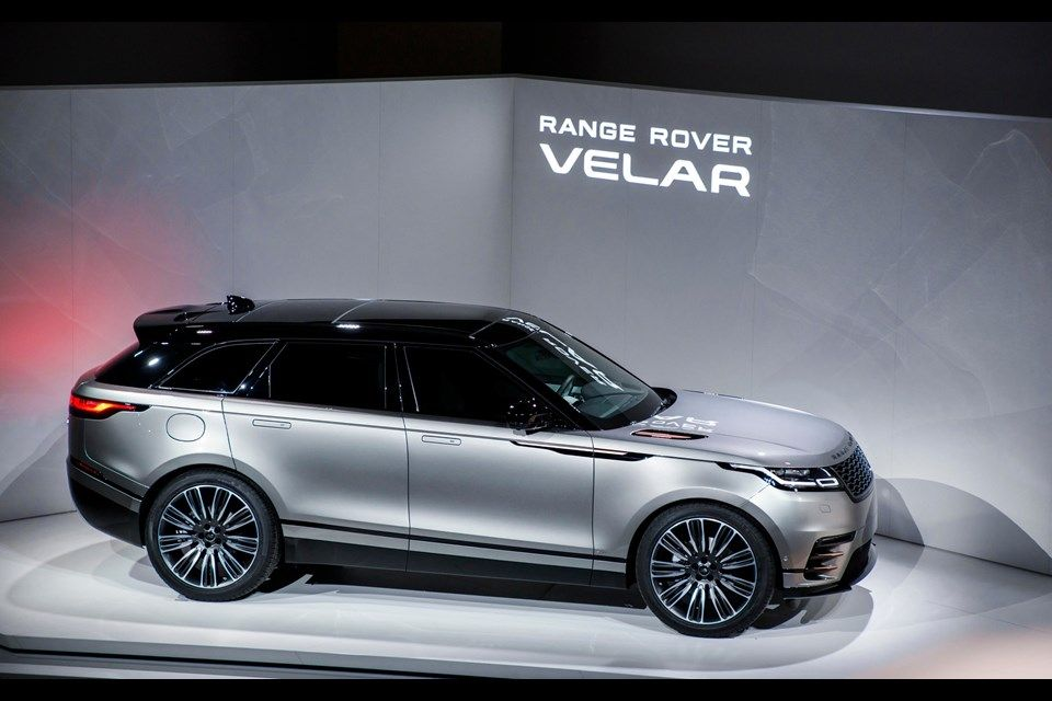 2018 Land Rover Range Rover Velar Redesign Interior Jaguar And Territory Rover Suit Like Peanut Butter And Chocol Range Rover Land Rover The New Range Rover