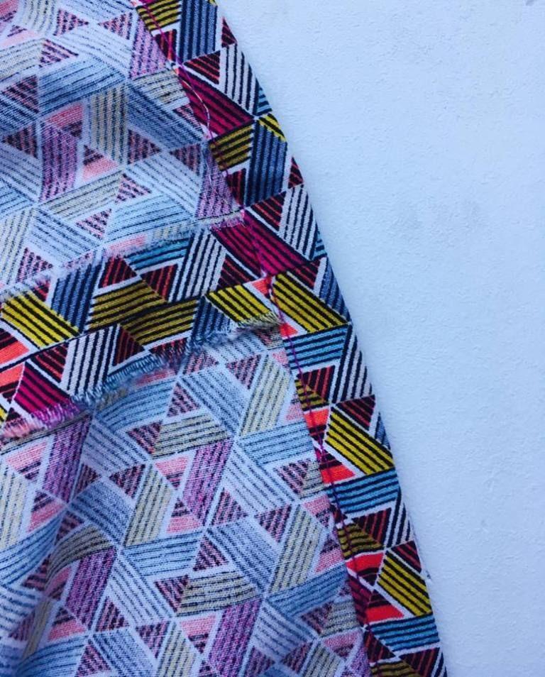 La jupe midi en coton « façon wax » (+ tuto)