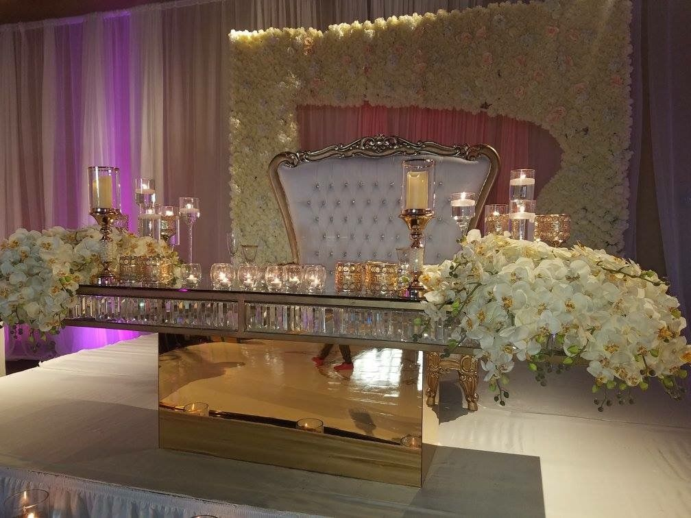 All Eyes Will Be On The Bride And Groom And This Gorgeous Seating