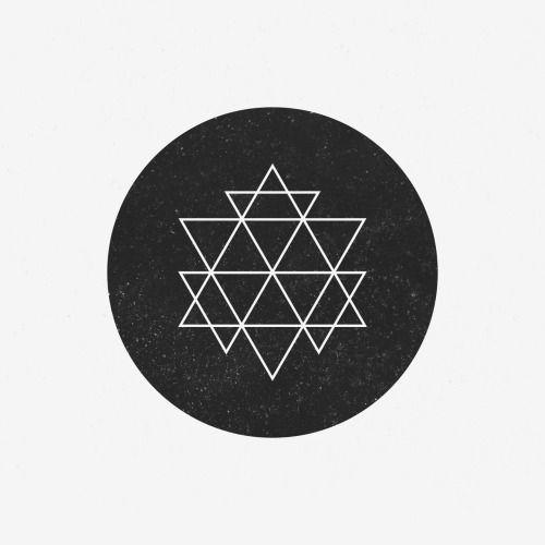 dailyminimal:AP15-175 A new geometric design every day.