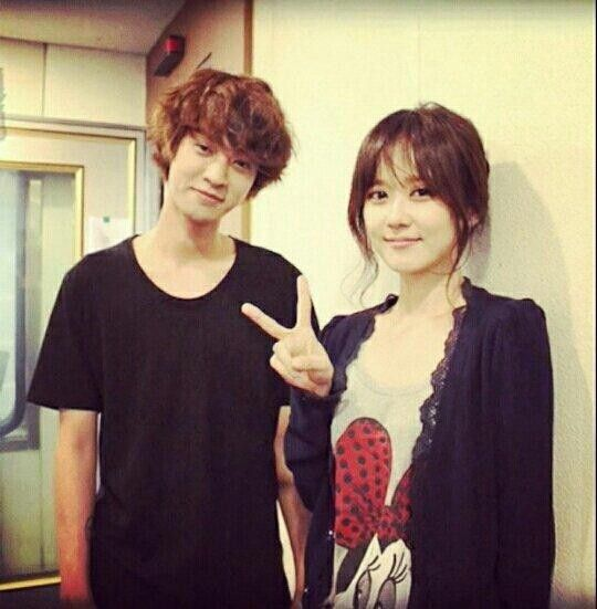 Jung Joon Young & Jang Nara, He look so shy xixixi