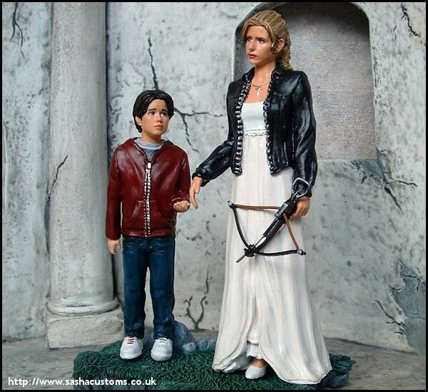 Buffy (Prophecy girl) and the annoyed one (Collin) Figures.