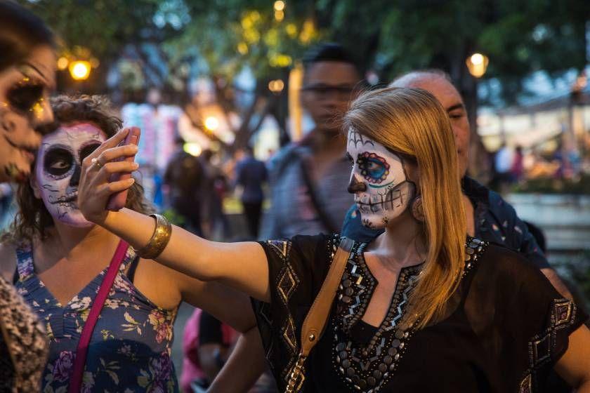 احتفال الموتى في المكسيك Day Of The Dead Day Dead