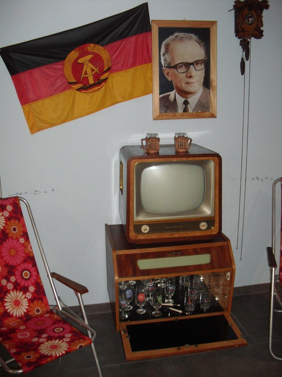 Pin Von Keith Larner Auf Ddr Ddr 40 Jahre Ddr Deutschland