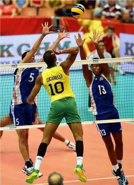 Match Brazil Cuba Fivb Volleyball Men S World Championship Poland 2014 Usa Volleyball Team Brazil Volleyball Team Volleyball Pictures