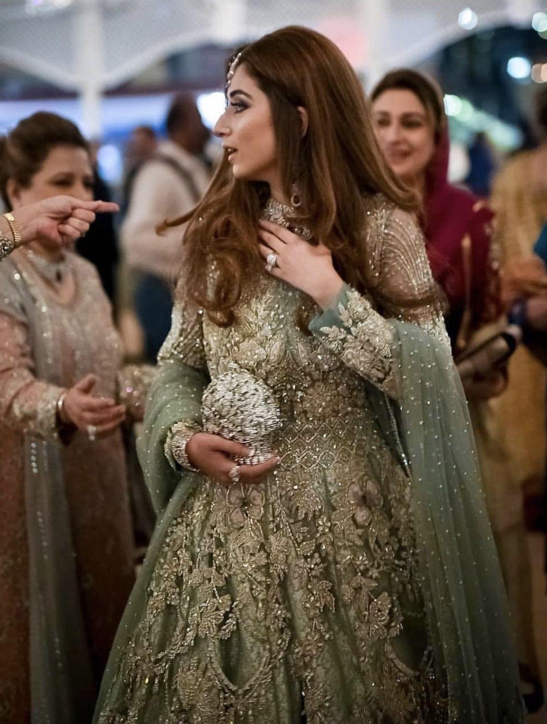 Pakistani bride at her sangeet / gaana night wearing suffuse by