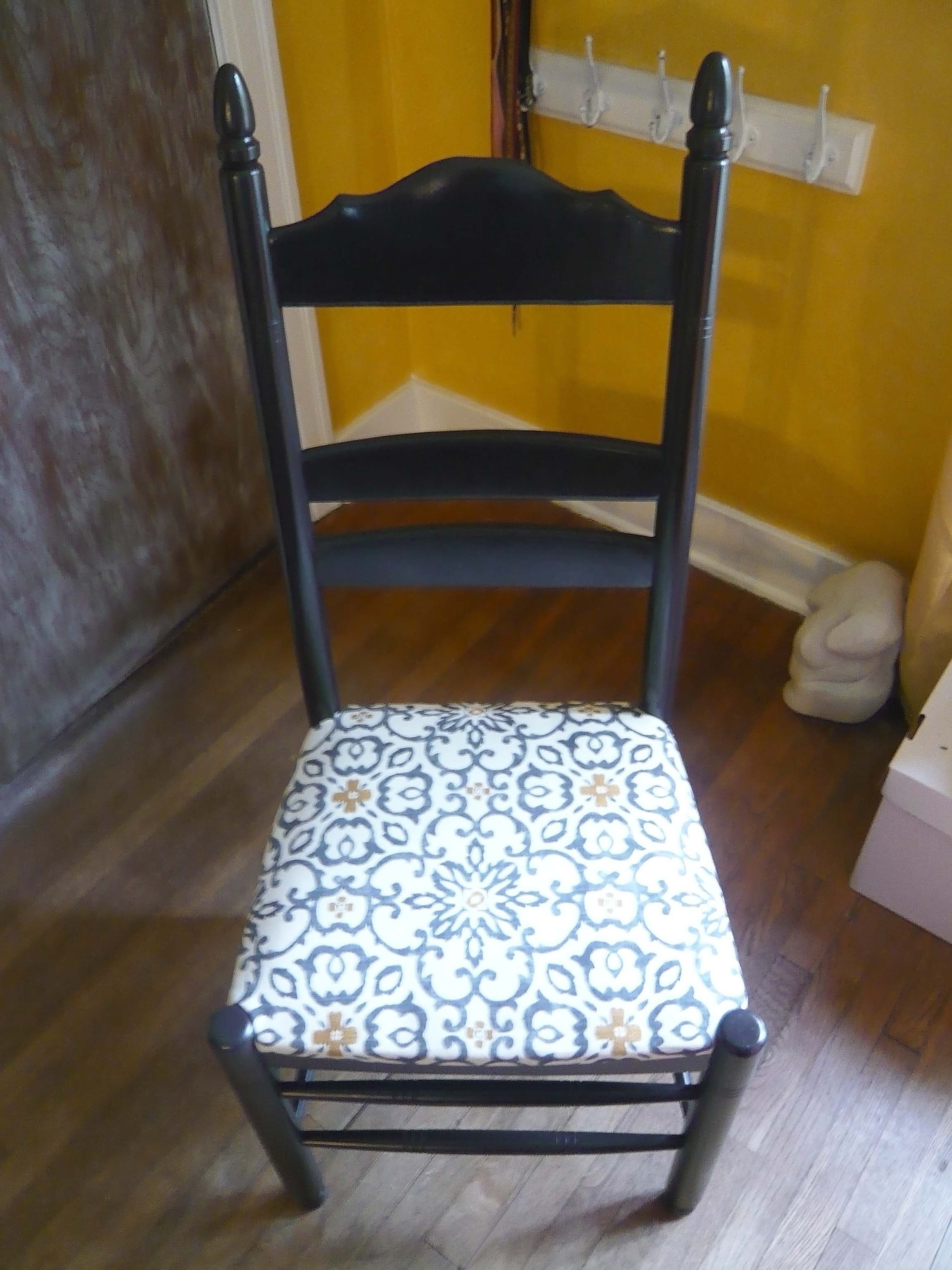 how to reupholster a dining room chair with vinyl
