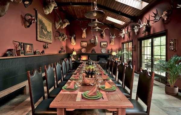 Hunting Lodge Interior Design And Decor Blending Urban Luxury And Boyhood Atmosphere Hunting Lodge Interiors Lodge Interior Design Hunting Lodge Decor