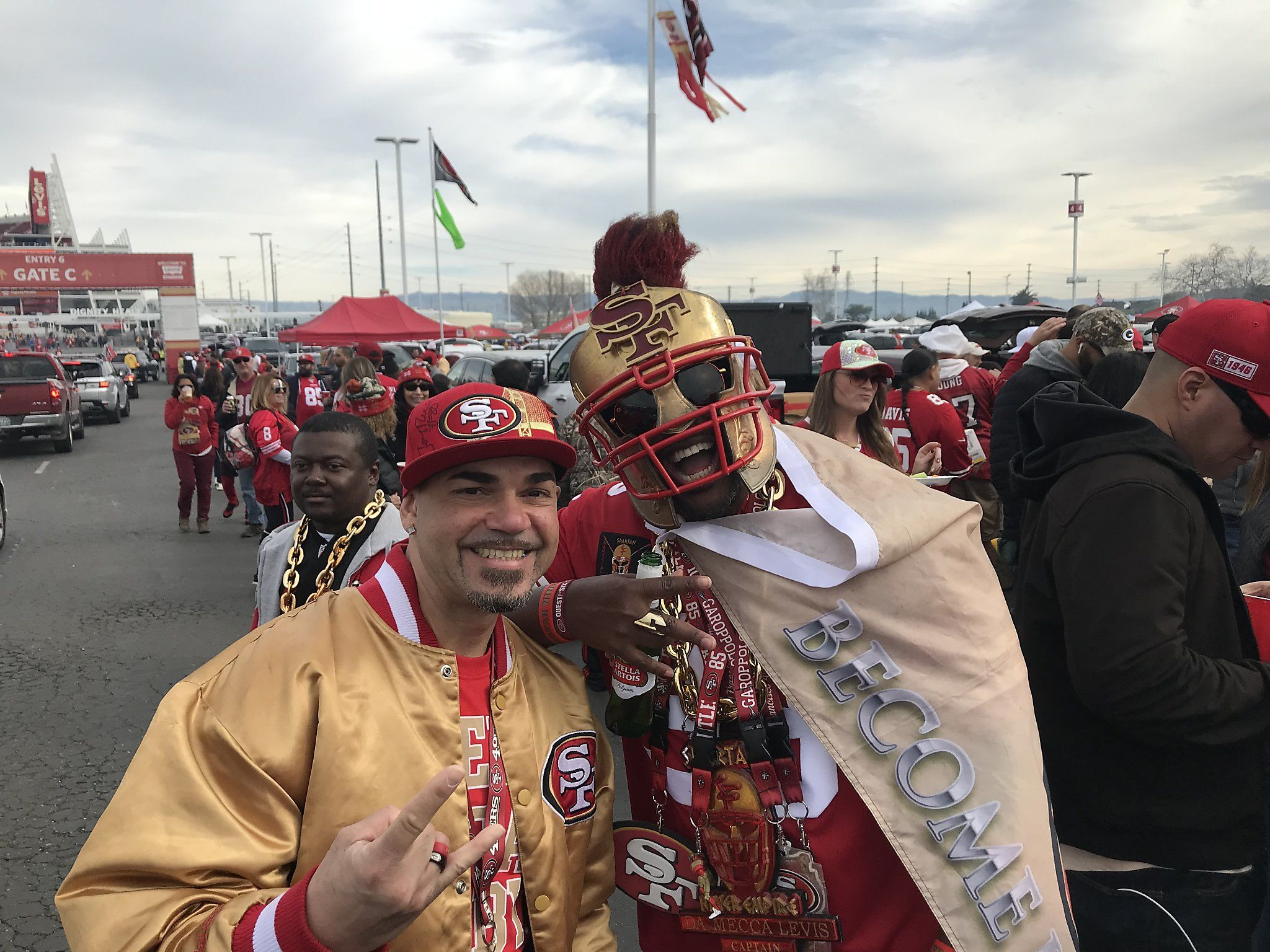 Photo of 49ers tailgate scene raging at Levi's Stadium ahead of Champ…