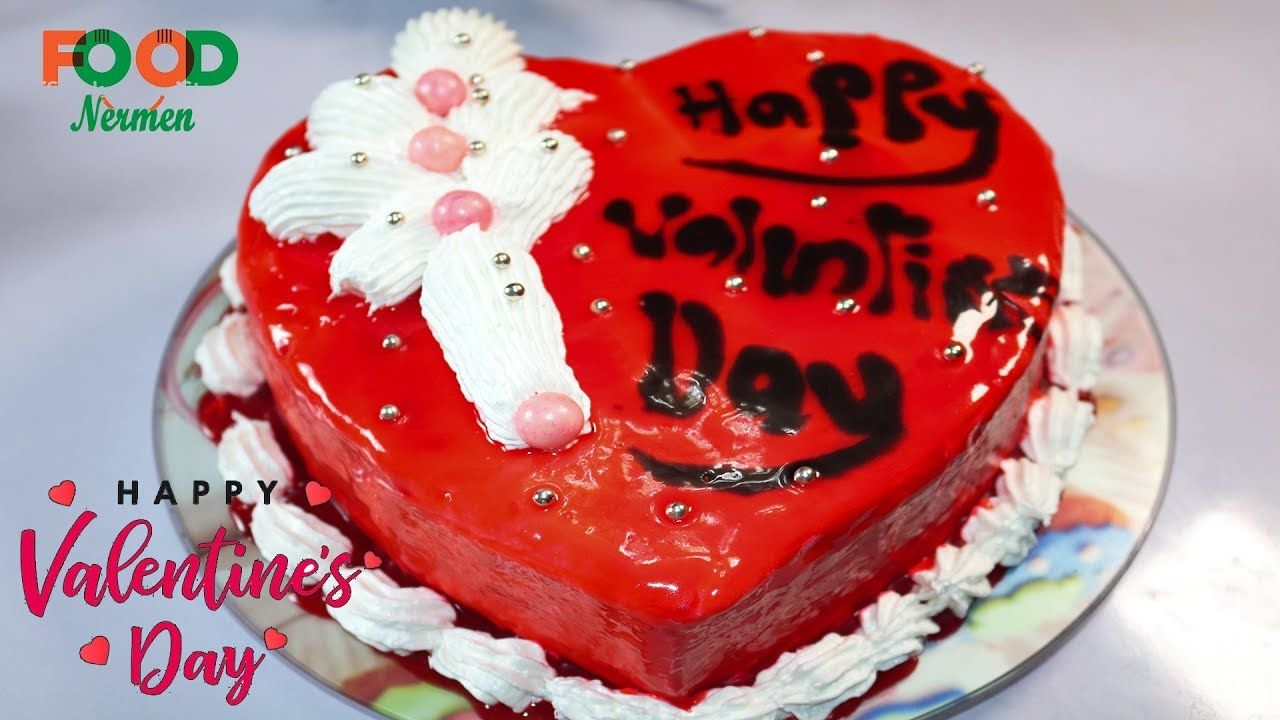 طريقة عمل تورته عيد الحب الفلانتين Valentine Cake اكلات نرمين Https Youtu Be Nw27rsv4c2k Valentine Cake Cake Desserts