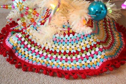 Granny\'s Tree Skirt by Sandra Paul of Cherry Heart | Christmas ...