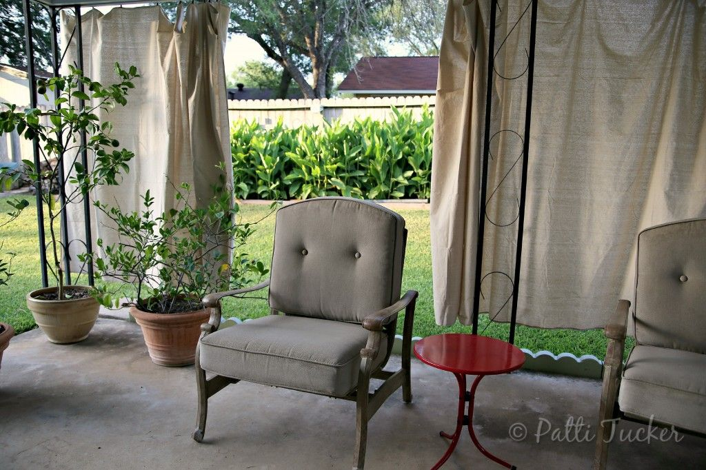 outdoor patio privacy curtains made from inexpensive drop cloths gardening outdoor spaces. Black Bedroom Furniture Sets. Home Design Ideas