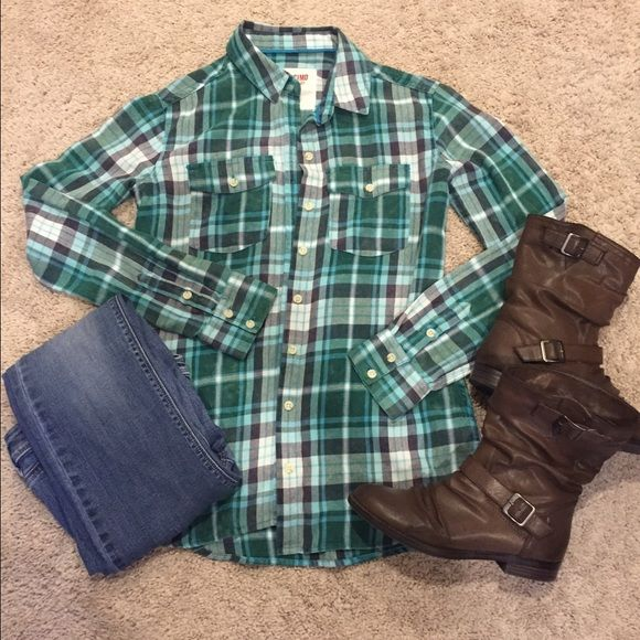 9457da04a8 Plaid buttoned long sleeve top Green blue white plaid button down top. Long  sleeve and in excellent condition! Worn only 1x. Perfect with jeans or  leggings!