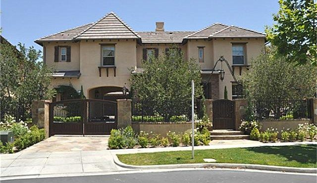 LADERA RANCH – The neighbor to the west of Laguna Niguel is the new master planned community of Ladera Ranch in Orange County, California. The home designs here are also architecturally appealing. Covenant Hills Ladera Ranch   Ladera Ranch Real Estate   Ladera Ranch Homes for Sale