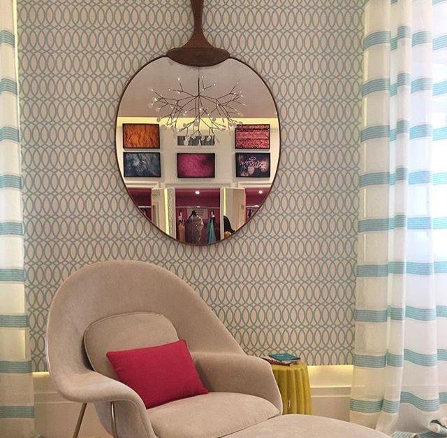 Composição papel de parede com cortina