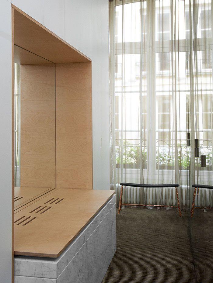 Un appartement classique rock oak bench interiors and for Deco appartement rock