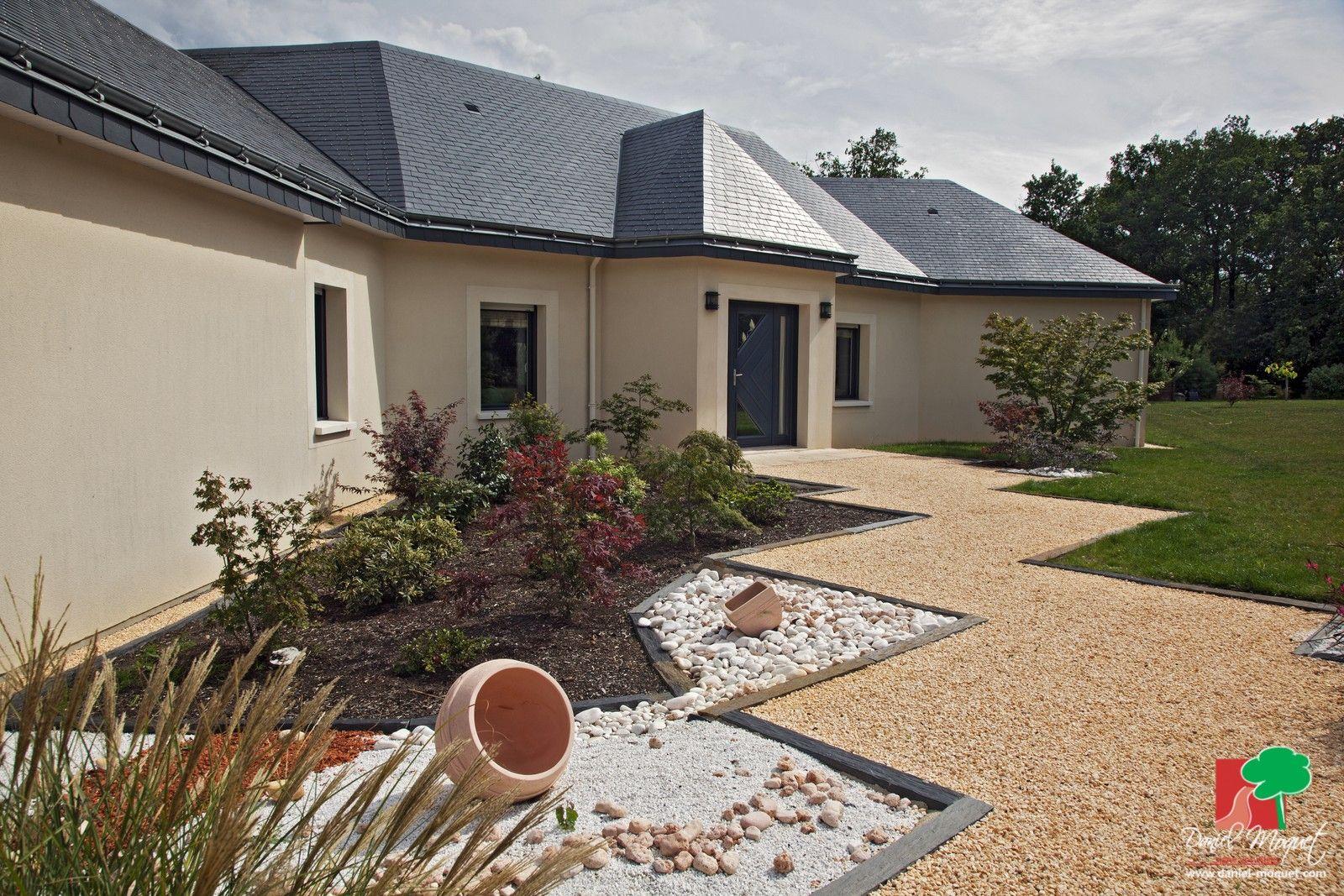 Remarquez l 39 originalit des contours de cette all e en - Decoration allee de jardin ...