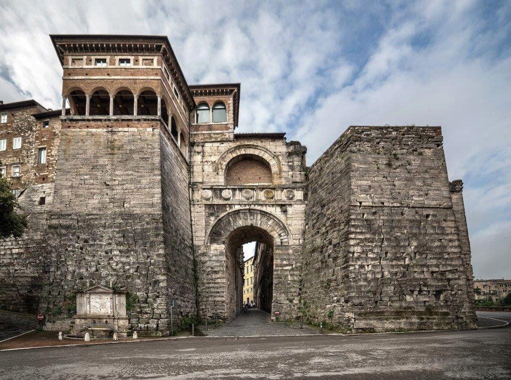 Refref On Con Imagenes Torres La Muralla Puertas