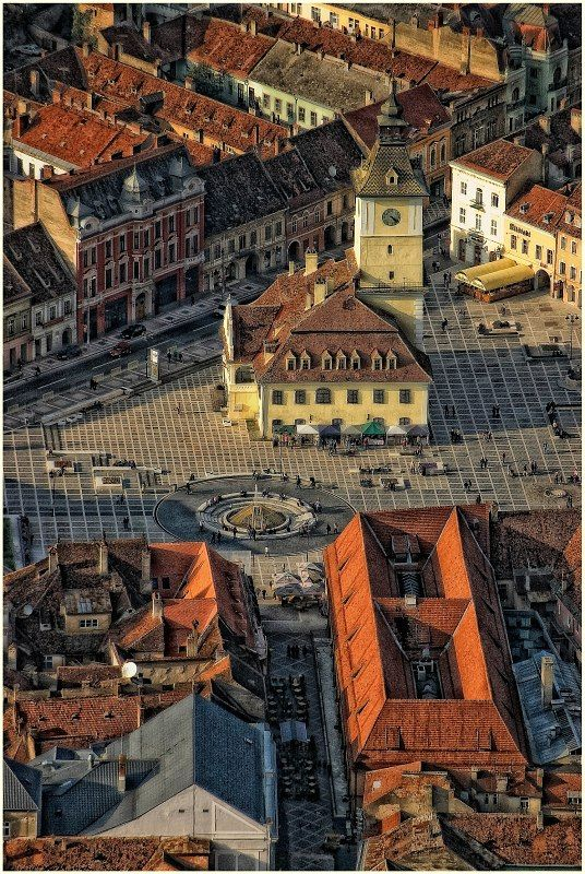 Old Council Square, Brasov, Romania www.romaniasfriends.com