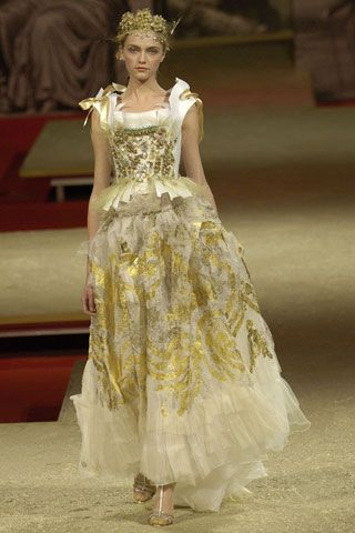 Christian Lacroix Spring/Summer 2006 Haute Couture