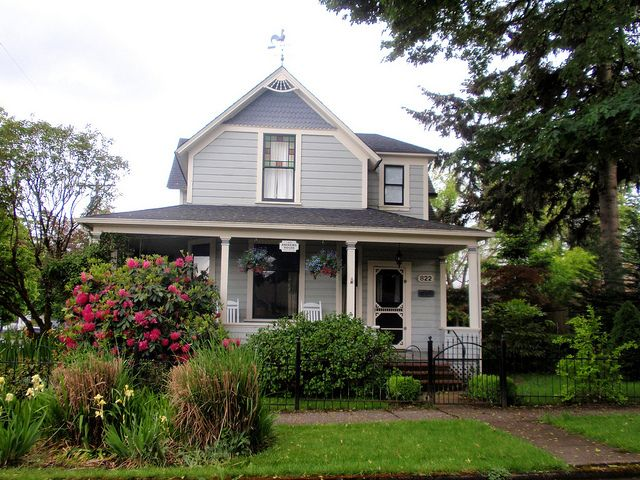 Gray Victorian House House Exterior Blue Small House Exteriors Victorian Homes