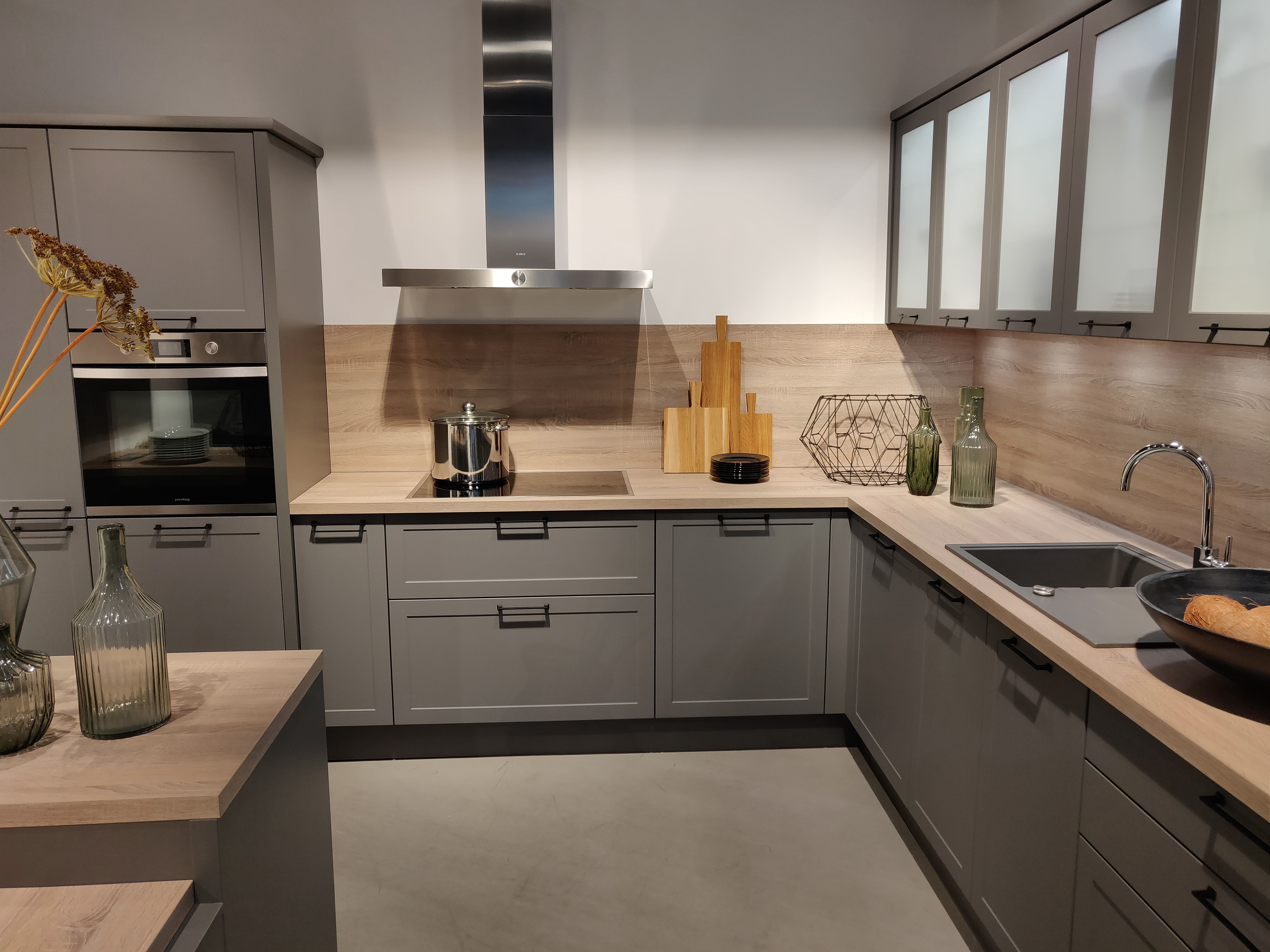 Mischung aus Landhaus und Moderne in grau von Express Küchen