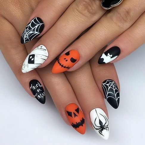 Halloween nails: 50 ideas to copy for your haunted ...
