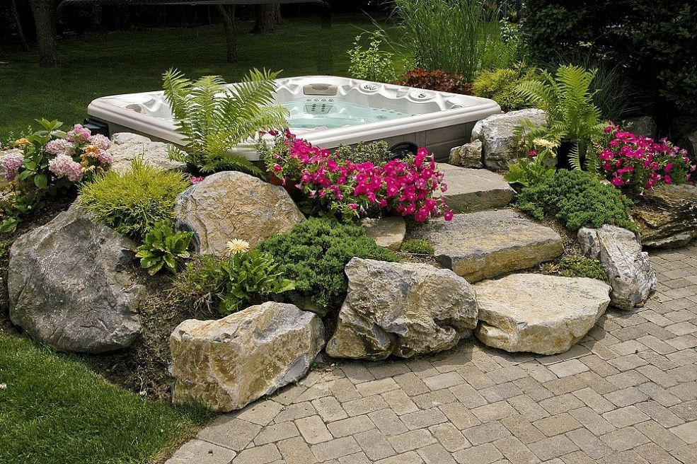 How To Make An Outdoor Hot Tub Absolutely Perfect Surround It With Foliage
