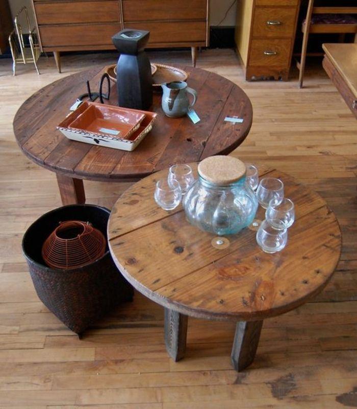 touret-bois-deco-deux-tables-basses-bois-brut-vaisselle-vintage ...