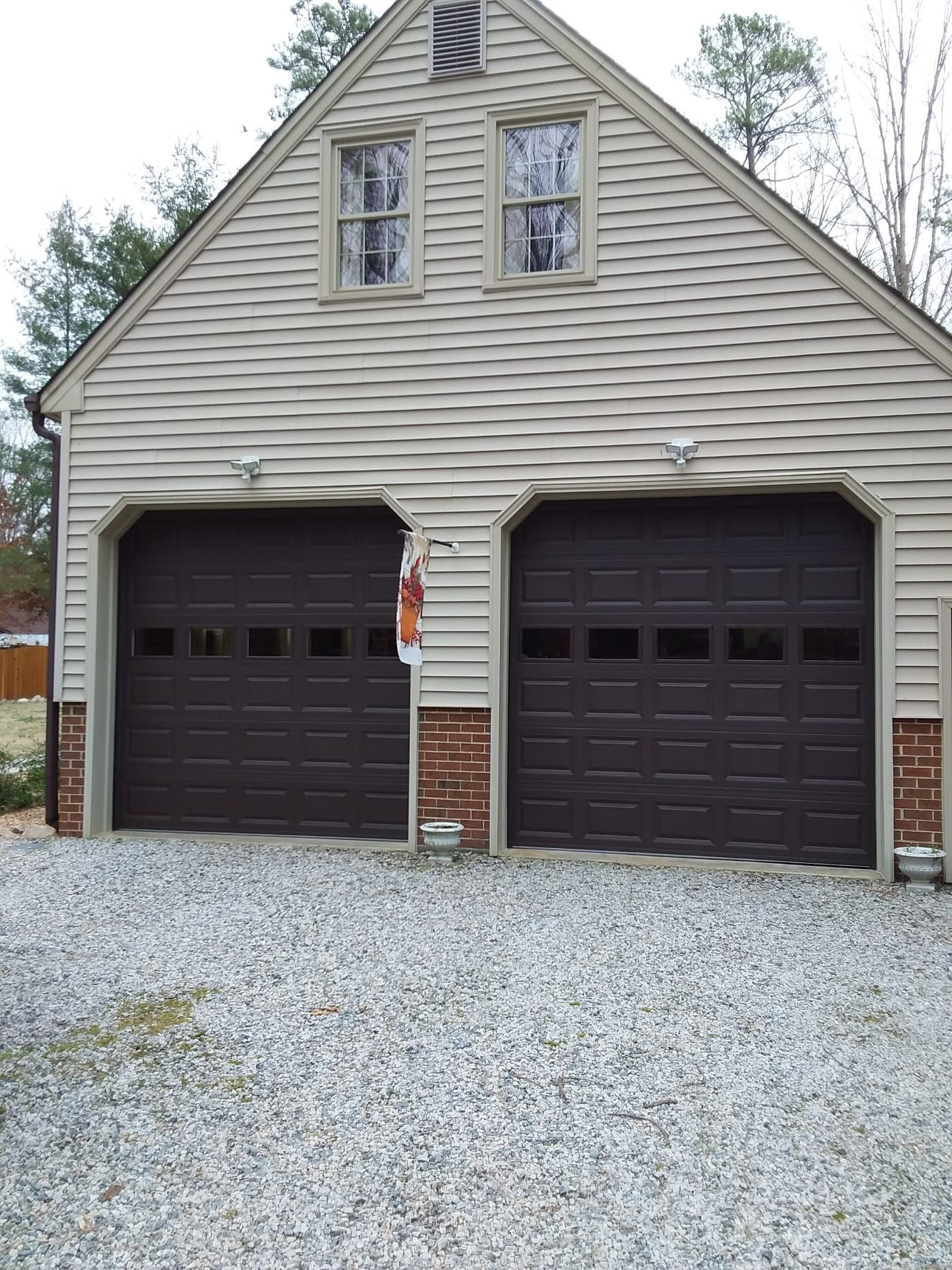 Our Richmond Store Installed These 10x10 Model 2251 Doors On This Home Teamappledoor In 2020 Garage Doors Doors Outdoor Decor